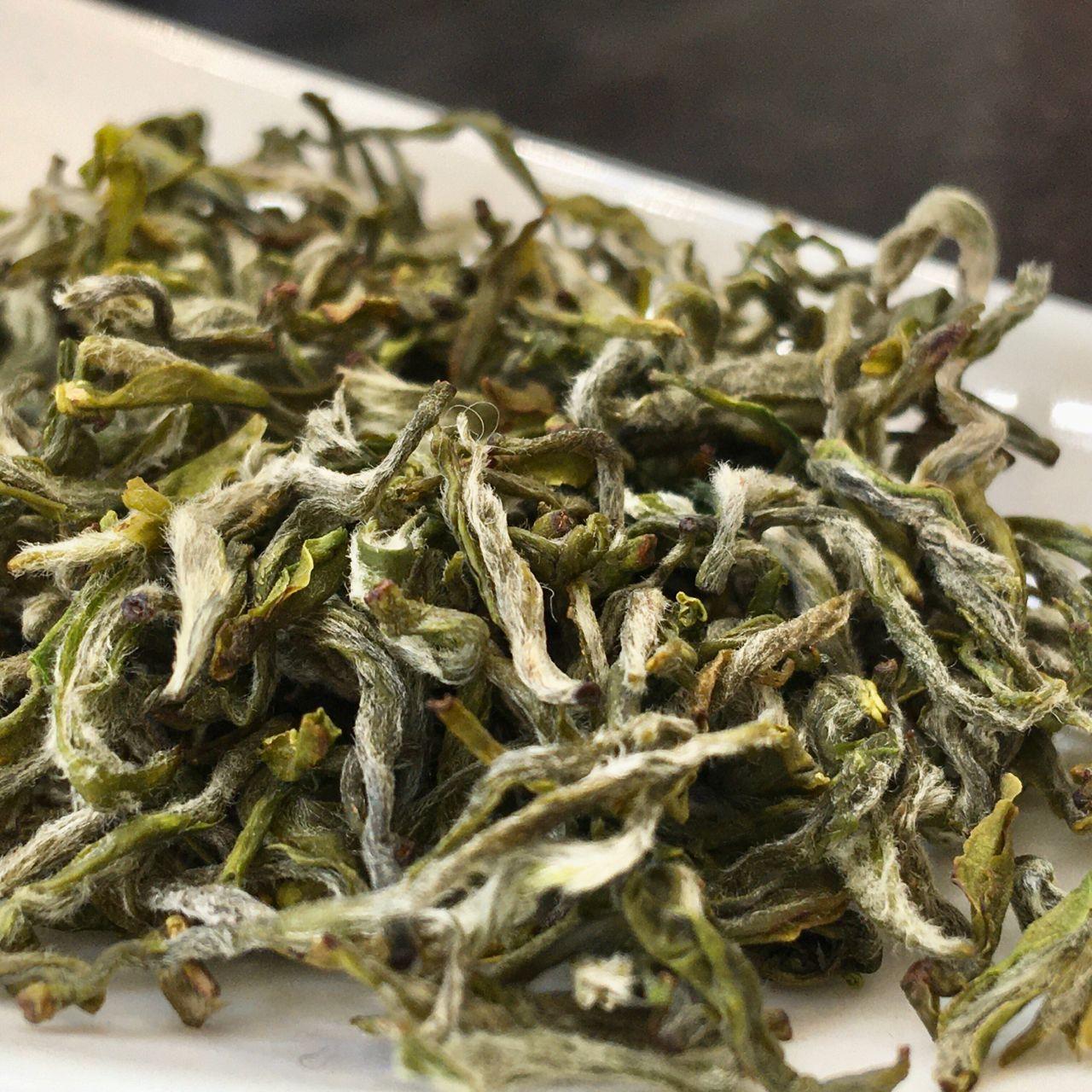 "Gān Lù Chá,甘露茶, Mending ""Sweet Dew"" Green Tea"